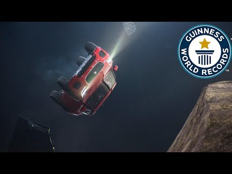 Stunt driver Terry Grant performs insane barrel roll in Jaguar E-Pace – Guinness World Records