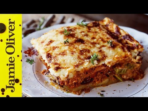 how-to-make-greek-moussaka-|-akis-petretzikis