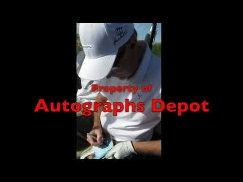 Dexter's Geoff Pierson signing autographs in Palm Springs