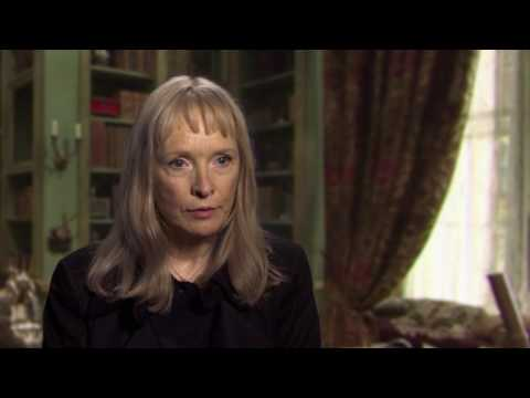 "Alice Through the Looking Glass: Lindsay Duncan ""Helen Kingsleigh"" Behind the Scenes Movie Interview"