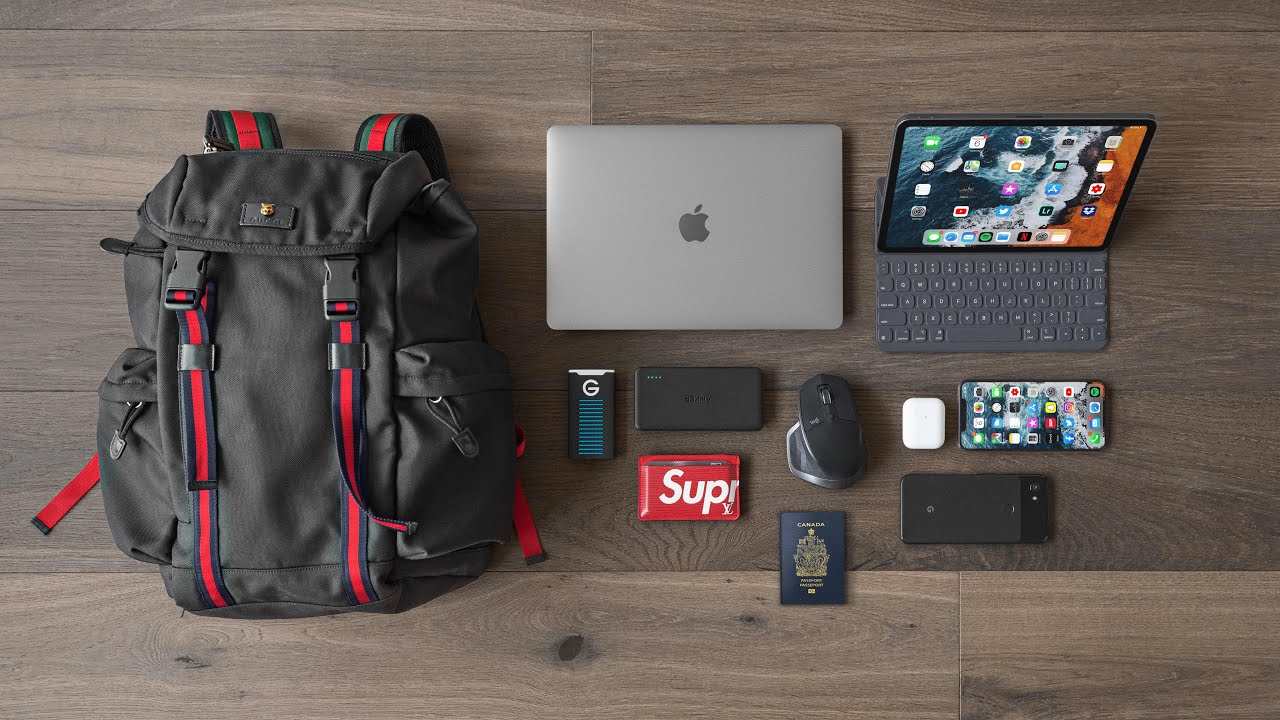 What's in my Travel Backpack 2019!