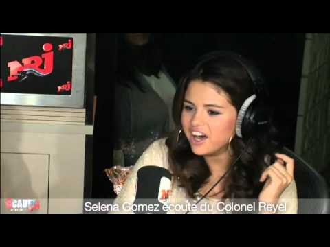 Selena Gomez écoute du Colonel Reyel - C'Cauet sur NRJ