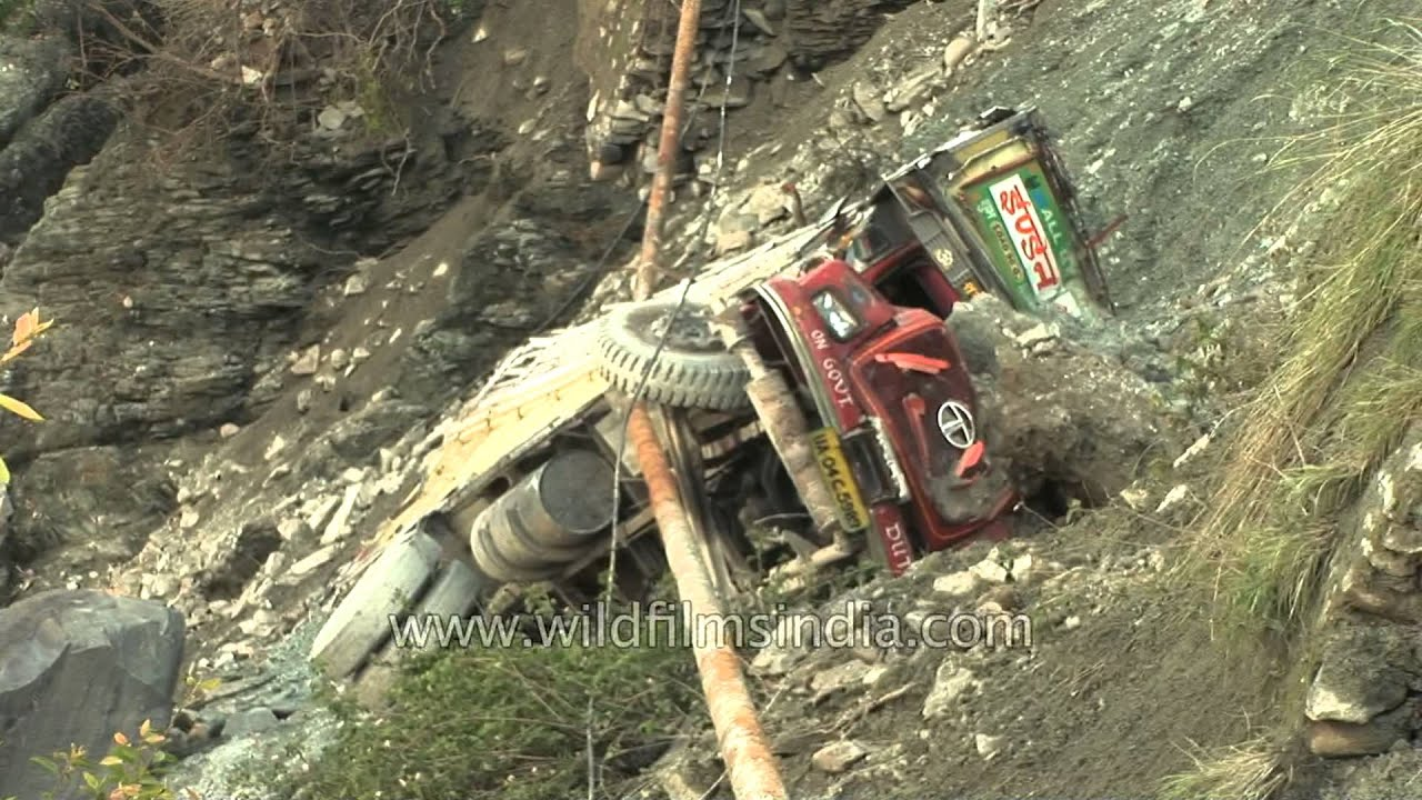 Hd wallpaper uttarakhand - Truck With Lpg Cylinders Falls In Bhagirathi Ganga Uttarakhand Youtube