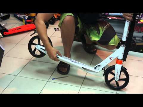 Как сложить самокат explore видео