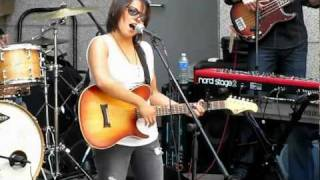 Watch Vicci Martinez Sunshine video