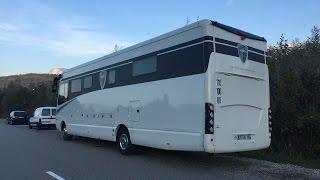 Camping-car de luxe // MORELO 108 GSB garage voiture mini cooper Iveco Eurocargo Alpes Evasion