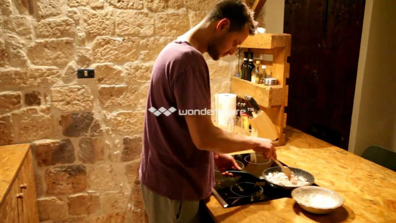 Vita da single in cucina - YouTube