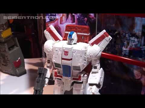 War For Cybertron SIEGE Commander Class Jetfire Demonstration Video #tfny #hasbrotoyfair