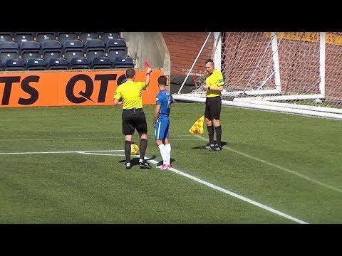 НЕЛЕПЫЕ фейлы с футбольными судьями