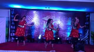 group dance - mein khwabon ki shahzadi