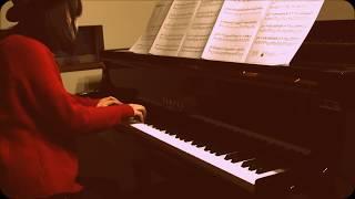 新世紀エヴァンゲリオンの主題歌、残酷な天使のテーゼのピアノ版を弾い...