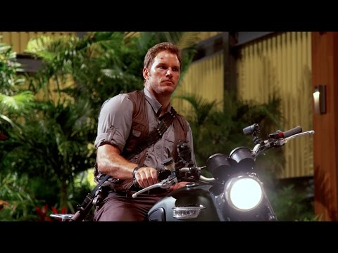 Chris Pratt's ‪‎Jurassic World‬ Journals: Motorcycle (HD)