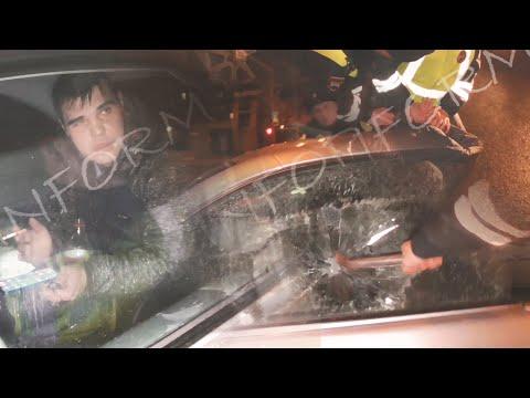 Водитель вынудил разбить стекло Мерседеса, инспекторов ДПС в Сургуте