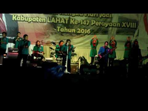 YANG KAYA MAKIN KAYA KATA rhoma irama; lagu indonesia