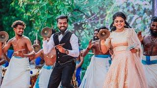 Kerala Wedding Couple Surprise Shinkari Melam Performance | കല്യാണ ചെക്കൻ നയിക്കുന്ന ശിങ്കാരി മേളം