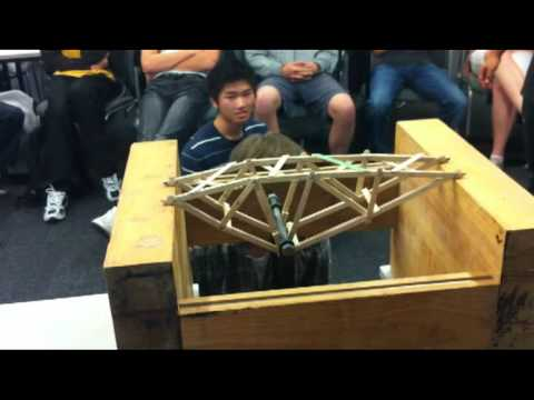 Record Truss Bridge 2012 - University of Auckland Engineerin