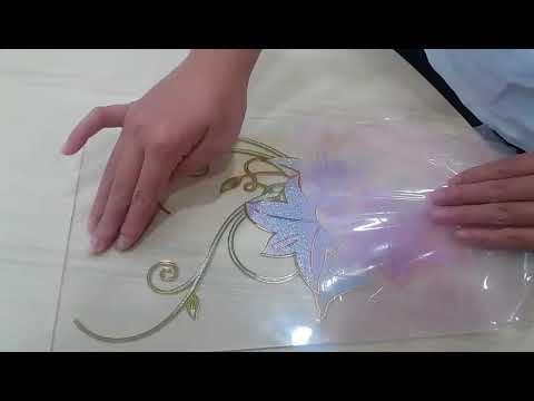 giấy dán trang trí cửa kính