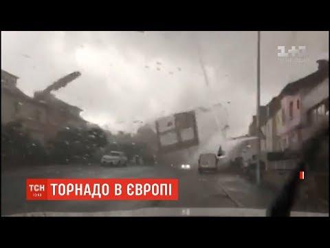 Смотреть Торнадо у Люксембургу зруйнував сотні будинків та травмував людей онлайн