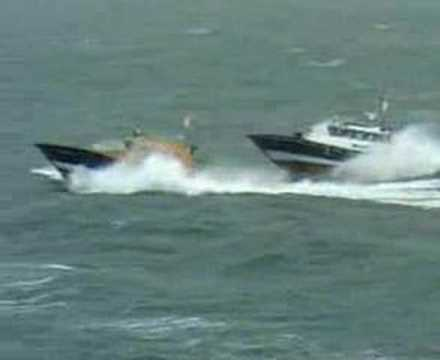 St Malo pilot boat filmed during trials in Force 7, 3m seas