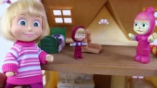 Küçük Cadı Ve Masha Oyuncak Çantasından Sürprizler Çıkartıyor Çizgi Filmler