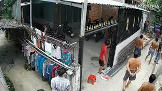 Hẻm 994 - Nhóm giang hồ quận 7 đánh người dân trước mặt công an không ngăn cản