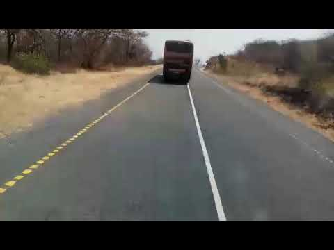 Basi la Arusha Express likizunguka mlima wa Iyovi