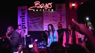 2Face Idibia w/ZZAJÉ @ SXSW_Intro  One Love (Live @ Beso Cantina).mp4
