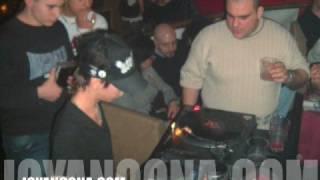 Esibizione corsi Dj alla discoteca Odissea Ancona