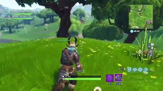 like taking out loot to an open chest bug- fortnite battle royale