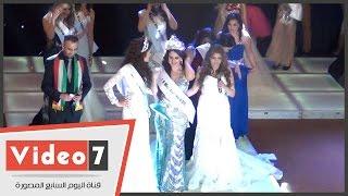 لحظة تتويج المغربية سلمى زكموط ملكة جمال العرب 2015