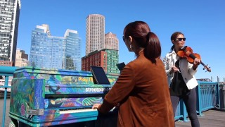 "duo526 MiPS ""Mozart in Public Spaces"": Sonata K. 526 (Boston)"