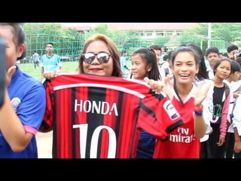 Keisuke Honda open school in Cambodia