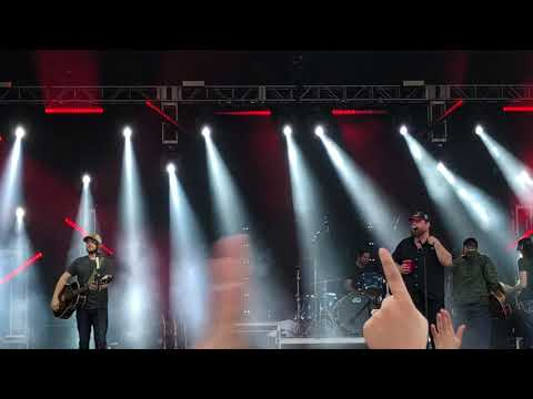 Luke Combs - Take it Easy (Eagles Cover) - Live at the Innings Music Festival - Tempe Arizona