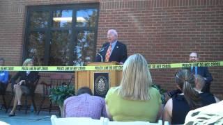 Dr. Bill Bass Speaks At Anthropology Center Dedication