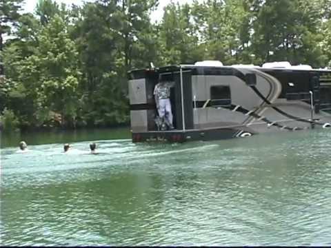 cami-terra-wind-amphibious-motorcoach
