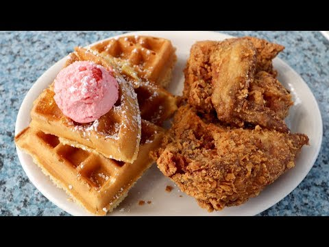 Spicy CHICKEN & WAFFLES from HEAVEN at Metro Diner   Jacksonville, Florida