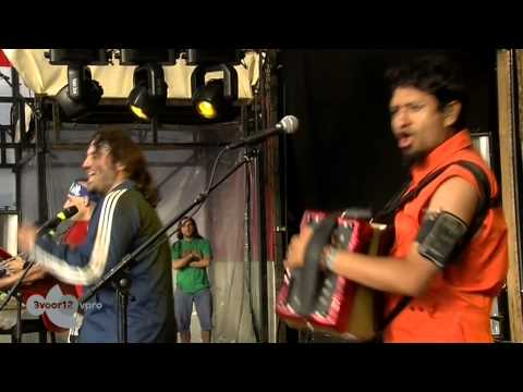 Che Sudaka - AlmasRebeldes (Live op Into The Great Wide Open 2013)