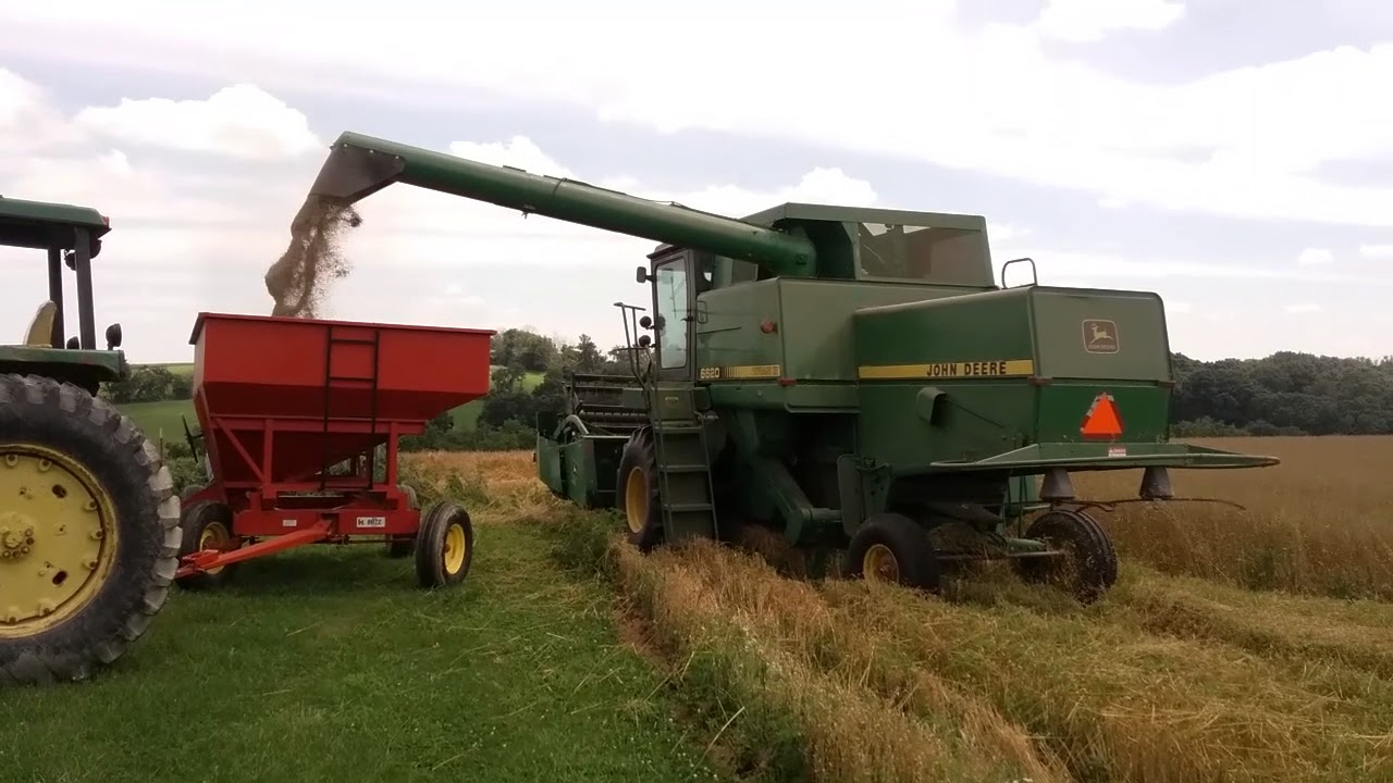 Farm B Roll John Deere Combine Harvesting Oats Equipment Grain