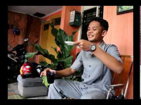 Iwan Fals - Guru Oemar Bakri (Video Clip)