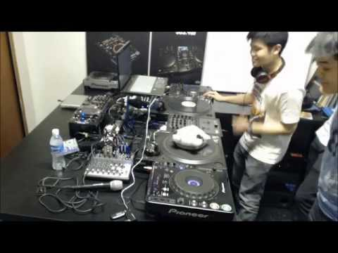 DJs ViperStar, Liteblue, Rainyrhy & RedMoon - The Foursome Kiasu Mix
