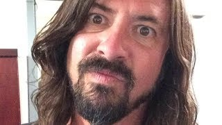 What Every Dave Grohl Fan Should Know About The Rocker