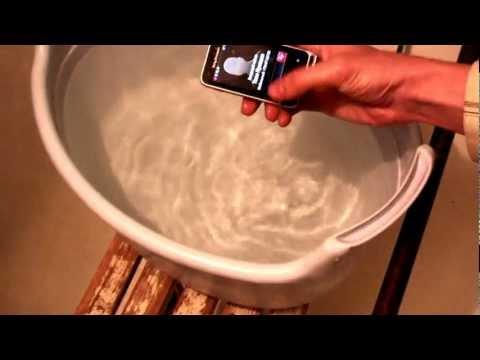 Sony Ericsson Xperia Active под водой