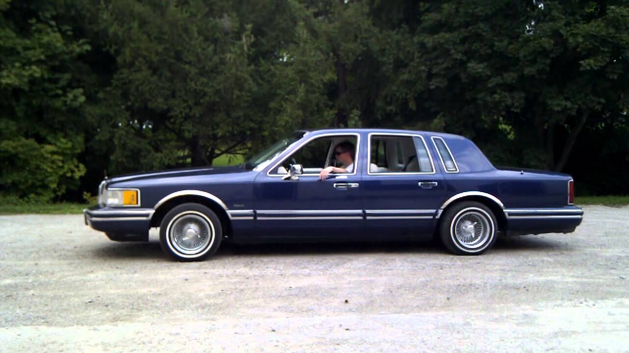 94 Lincoln Towncar On Air Ride Youtube
