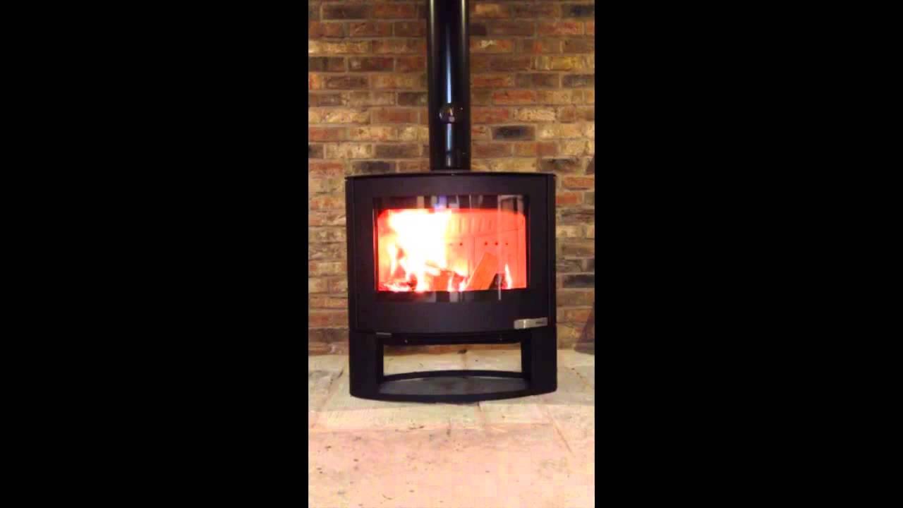 Aduro 15 woodburning stove youtube for Stufe aduro