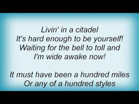 Red Hot Chili Peppers - Hump De Bump Lyrics