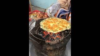 Cách nướng bánh tráng ngon (bánh tráng nướng Đà Lạt)