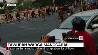 Aksi Tawuran Warga Manggarai di Perlintasan Kereta