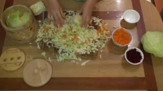 РЕЦЕПТ СОЛЕНИЯ! Засолка капусты, огурцов, помидор, грибов и овощей в деревянной кадке.