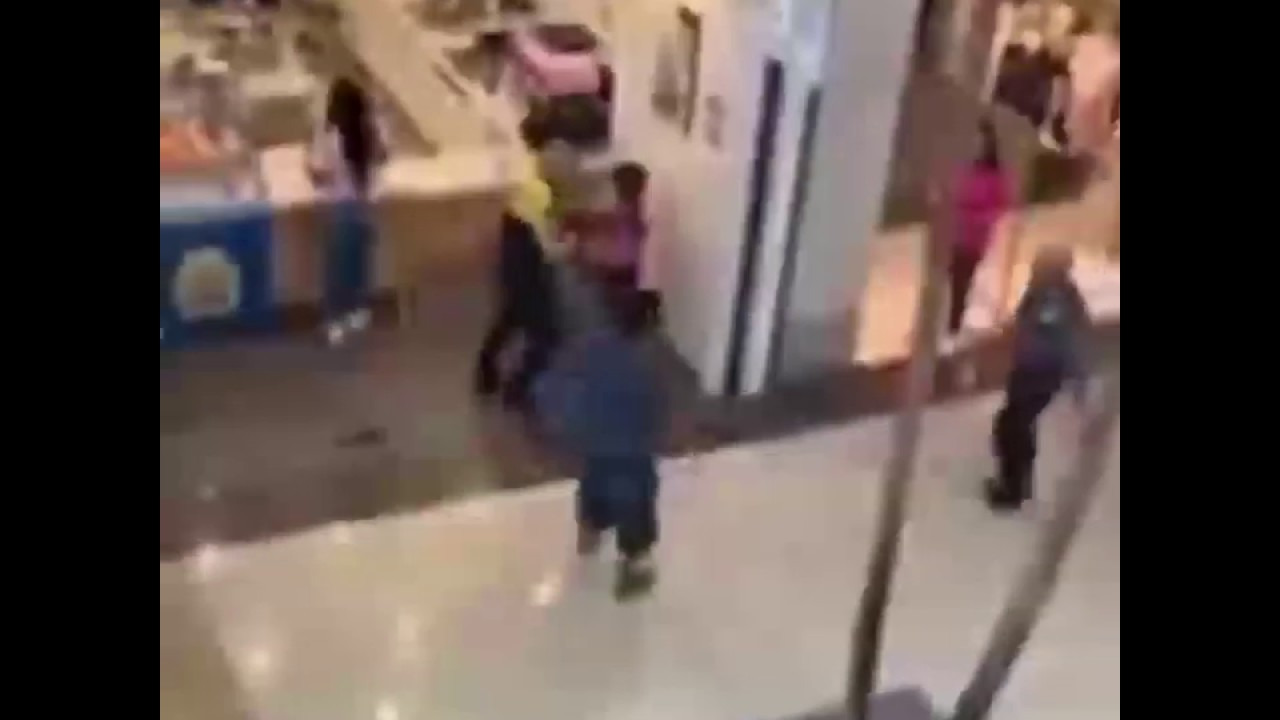 Hulen Mall Security Guard Fights Pregnant Black Woman