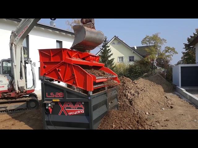 Garten anlegen mit gesiebter Erde v. Rüttelsieb LS28 v. XAVA Recycling